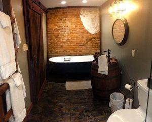 Soldiers Retreat Bathroom at Elmwood Farm